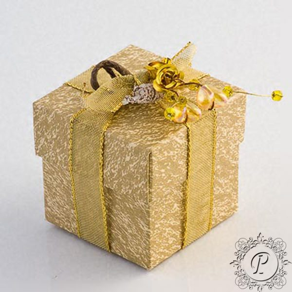 Gold & Ivory Cube Corperchio Wedding favour Box